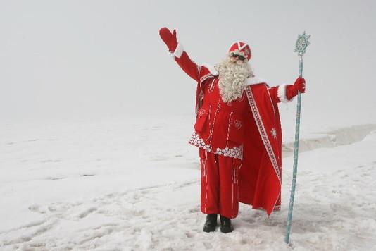 Девочка Василиса из Перми попросила Деда Мороза подарить девушку ее