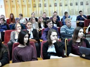 Школьники в зале им. А.Н. Косухина