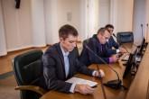 Дмитрий Домрачев зачитывает отчет о летней практике