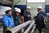 представители Кубы на Экспериментальном заводе буровой техники ТИУ