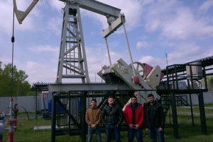 Студенты на буровом полигоне в с. Успенка