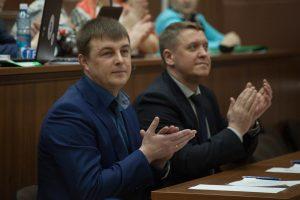 директор департамента образования администрации Тюмени Вячеслав Воронцов (слева) и директор департамента научно-исследовательской деятельности ТИУ Павел Евтин