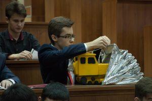 Кирилл Синельников, Лицей ТИУ. Проект по разработке мобильного гаража для машин, эксплуатируемых на нефтегазовых объектах.