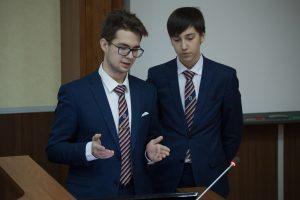 Победители секции «ИнТРаУМЕЛЕЦ» Захар Кадолов и Семен Паненков