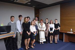 Обучающиеся Многопрофильного колледжа с руковдителем Миляушей Харченко