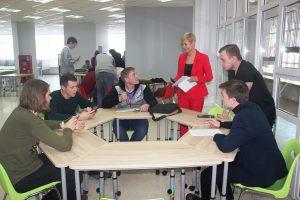 Студенты ВИШ с преподавателем по проектной деятельности Евтиной Г.С.