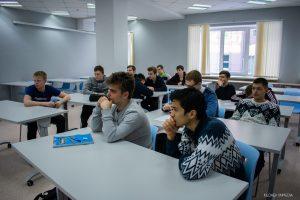 Студенты Высшей инженерной школы