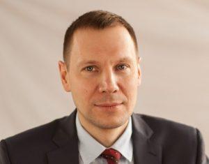 Заведующий кафедрой ЭАТ Дмитрий Захаров