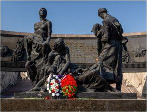 Монумент «Героическим защитникам Ленинграда»