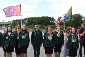 Бойцы исполняют Гимн России